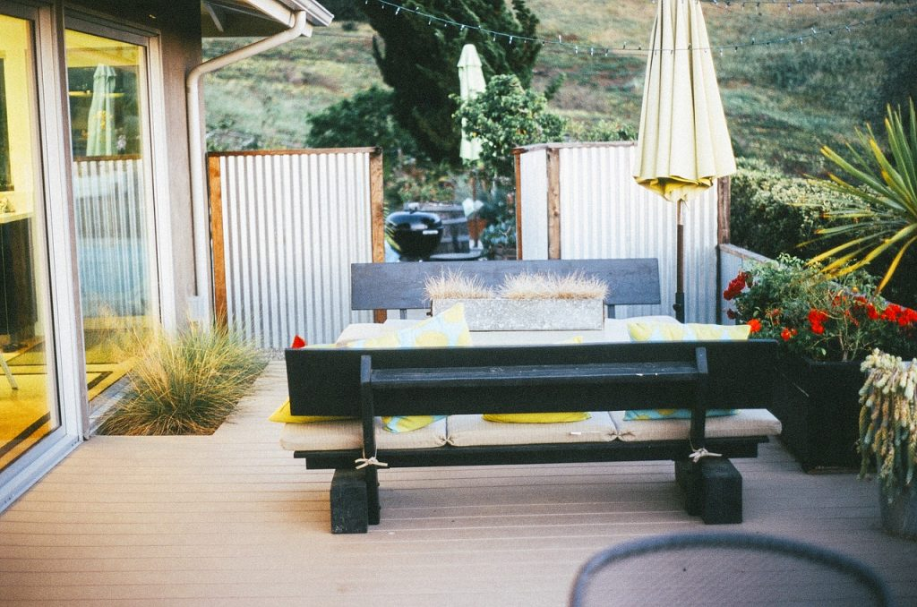 Which outdoor Pation furniture can be left outside for the winter?